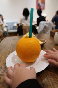 エッグセレントのオレンジジュース(生果実)